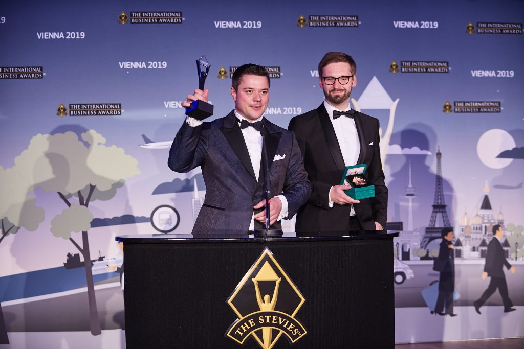 mobile.de wins Stevie Award in Gold in the category of Business Information Solution